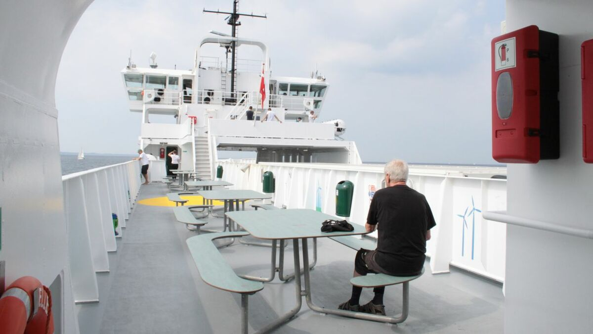 E-ferry: conveying eco-friendliness through its interiors