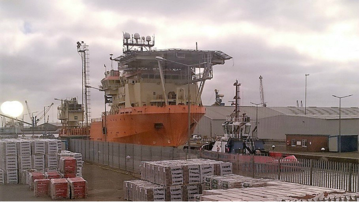 Toisa Warrior tied up at the container terminal dock at UK's ABP Humber (Twitter/ABP Humber)