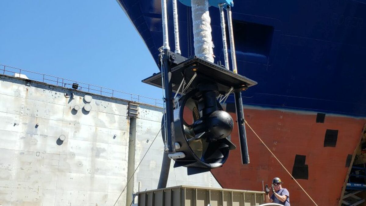 As part of the repowering, the pumpject was replaced by a retractable azimuth thruster