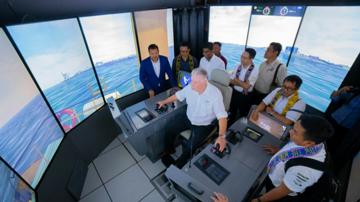 Captains practice safe navigation using bridge simulators at Kasi's Malaysia facility