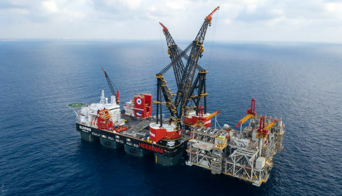 'Unique' crane vessel completes record lift for Israel's largest gas field development