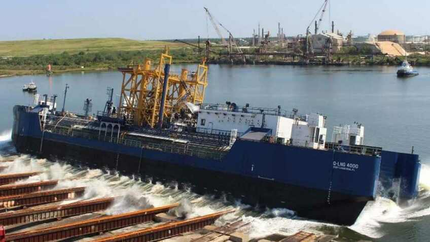 World's first LNG bunkering ATB launched