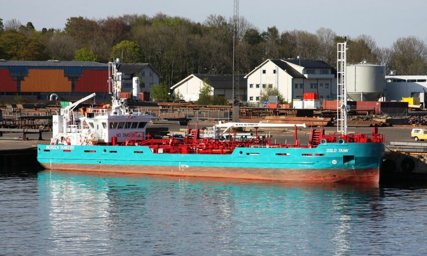 Fuel oil bunker vessel Oslo Tanker is being converted into an LNG bunker vessel