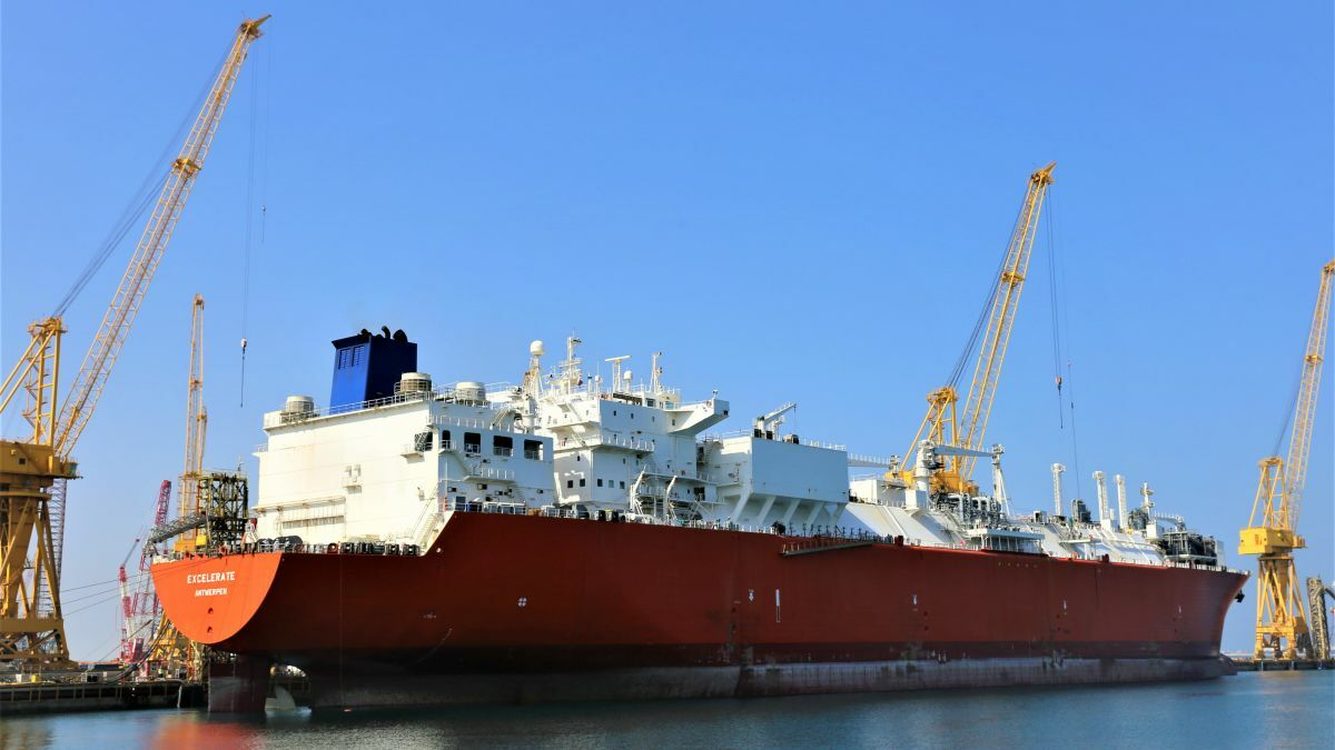 Qatari shipyard marks milestone with FSRU docking