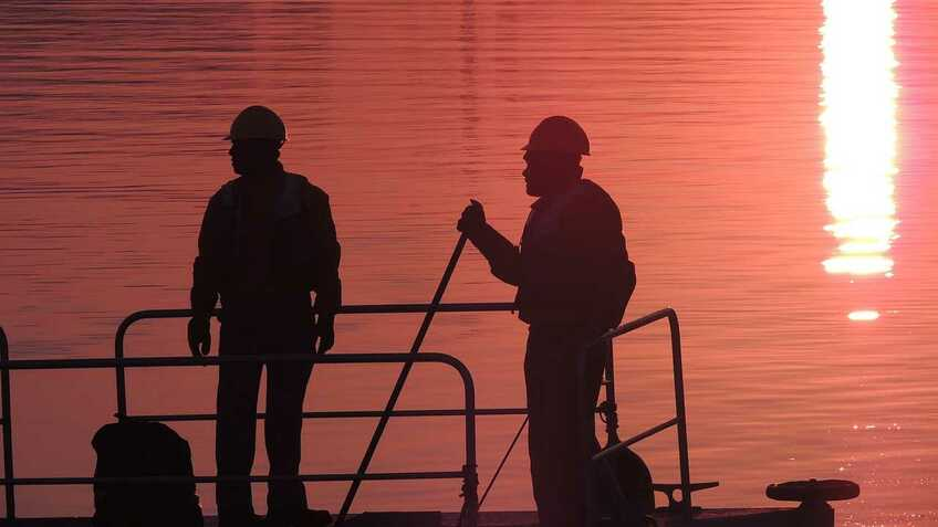 Seafarers are 'heroes' of pandemic, say offshore industry bosses
