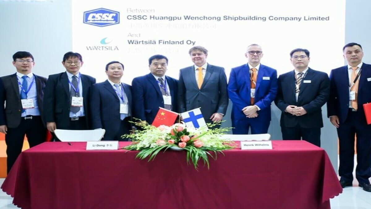 CSSC and Wartsila officials sign five-year agreement for hybrid dredger