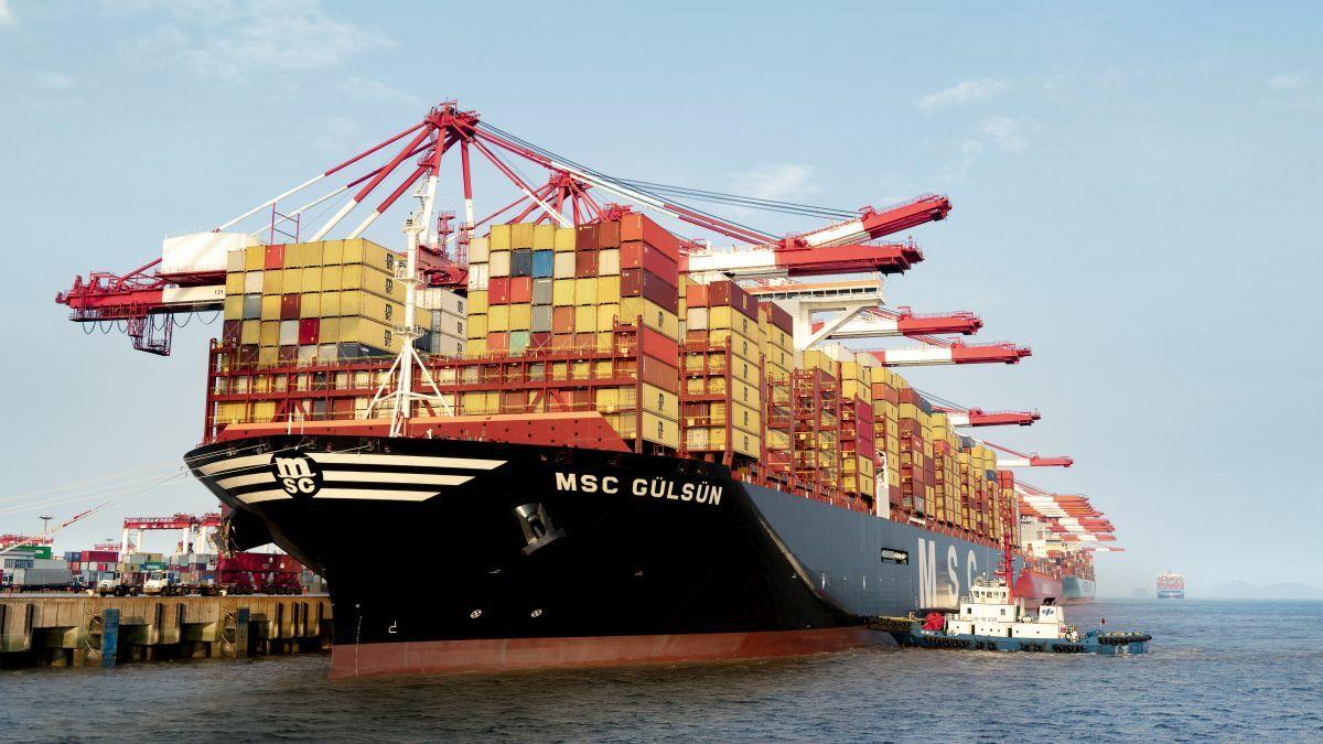 Mega box ship orders ramp up