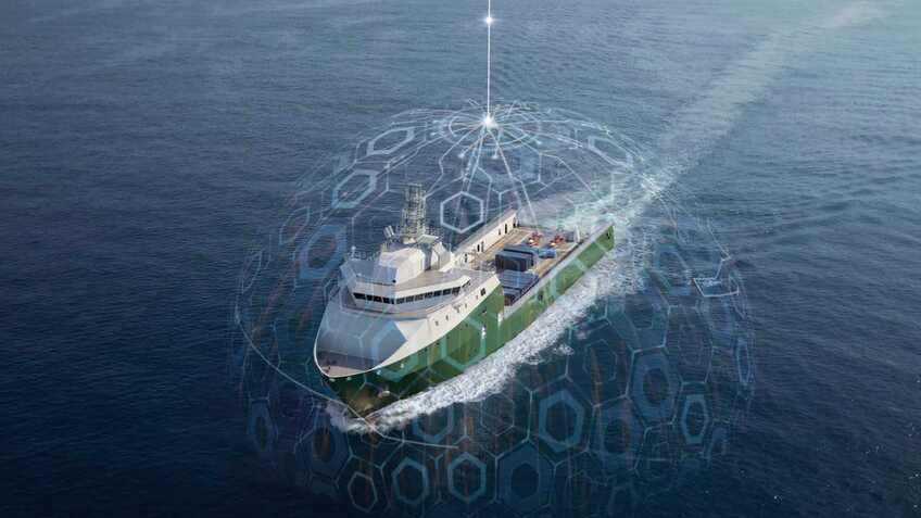 Combining VSAT with 4G for offshore vessel connectivity