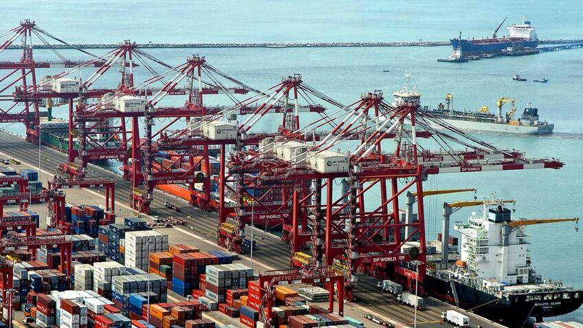 Saudi Arabia drives to become global container logistics hub