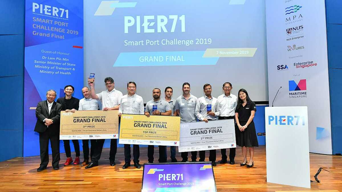 The first-, second- and third-prize winners at the 2019 Smart Port Challenge final