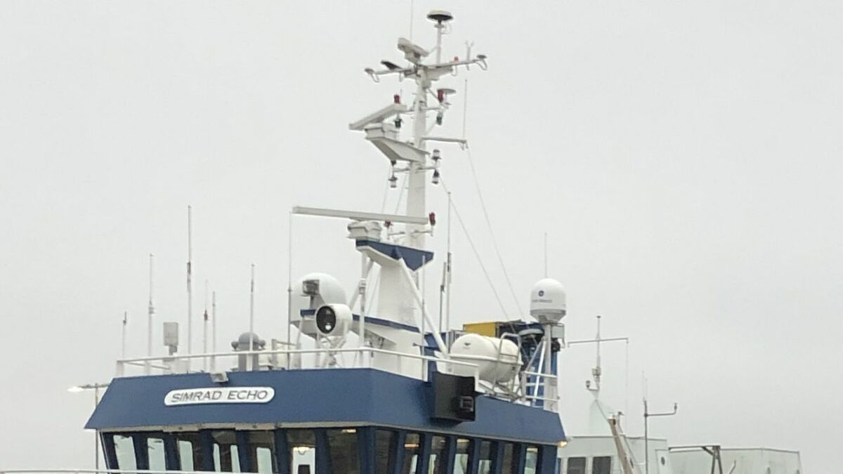 Simrad Echo with KVH Watch VSAT hardware among radar and other antennas