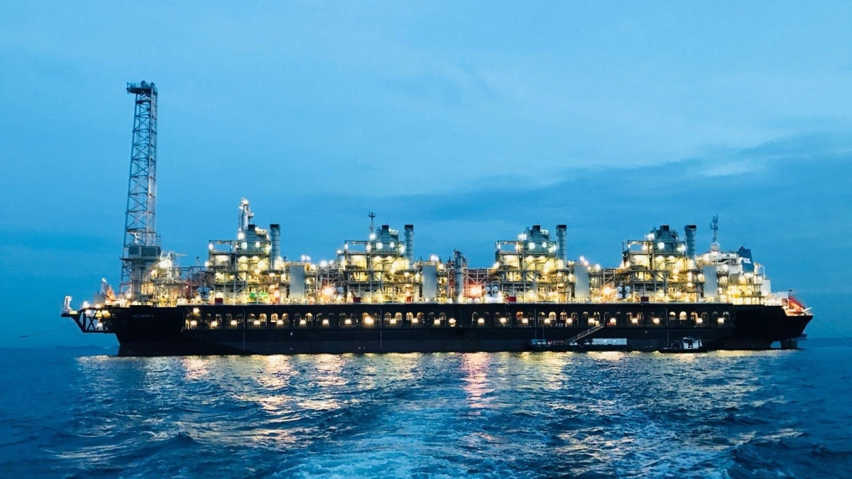The first FLNG vessel conversion by Keppel was Hilli Episeyo