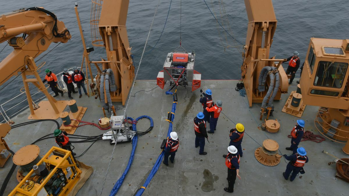Autonomy tested for oil spill removal