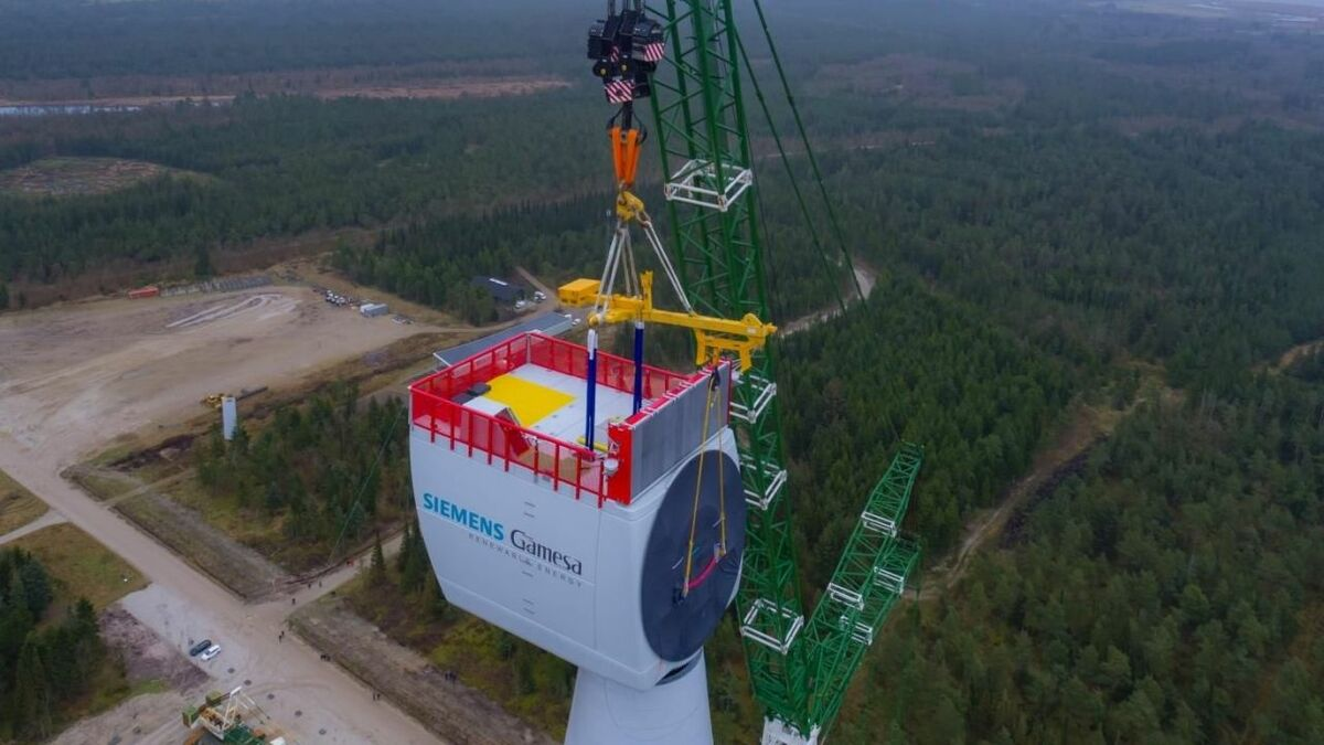 The nacelle of Siemens Gamesa's 11-MW offshore wind turbine has been installed