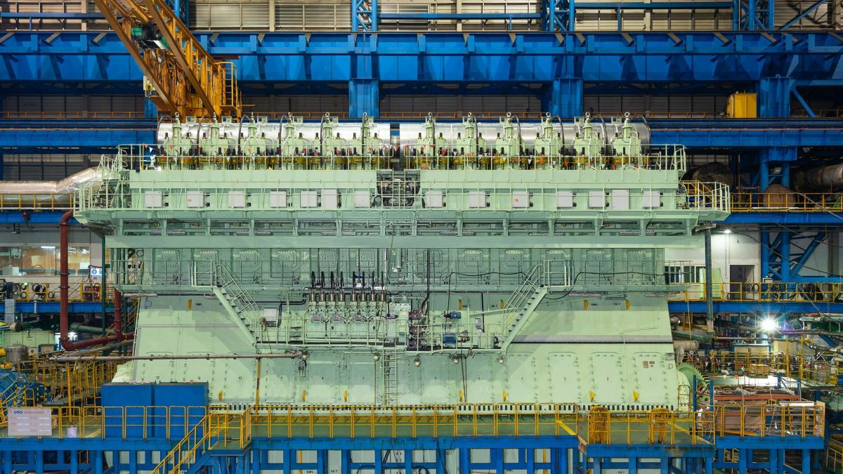 Built at CSSC-MES Diesl Co's Lingang facility, the 12X92DF weighs more than 2,100 tonnes