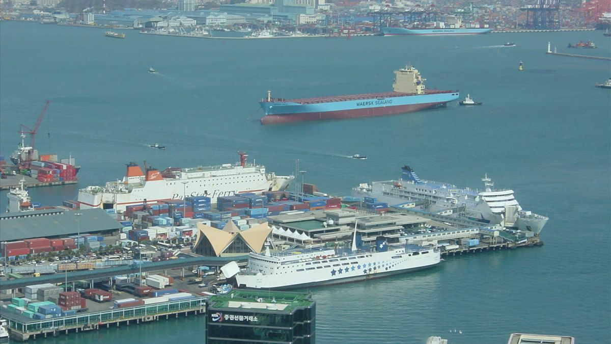 Ships in South Korea's port of Busan have been monitored since January for sulphur emissions