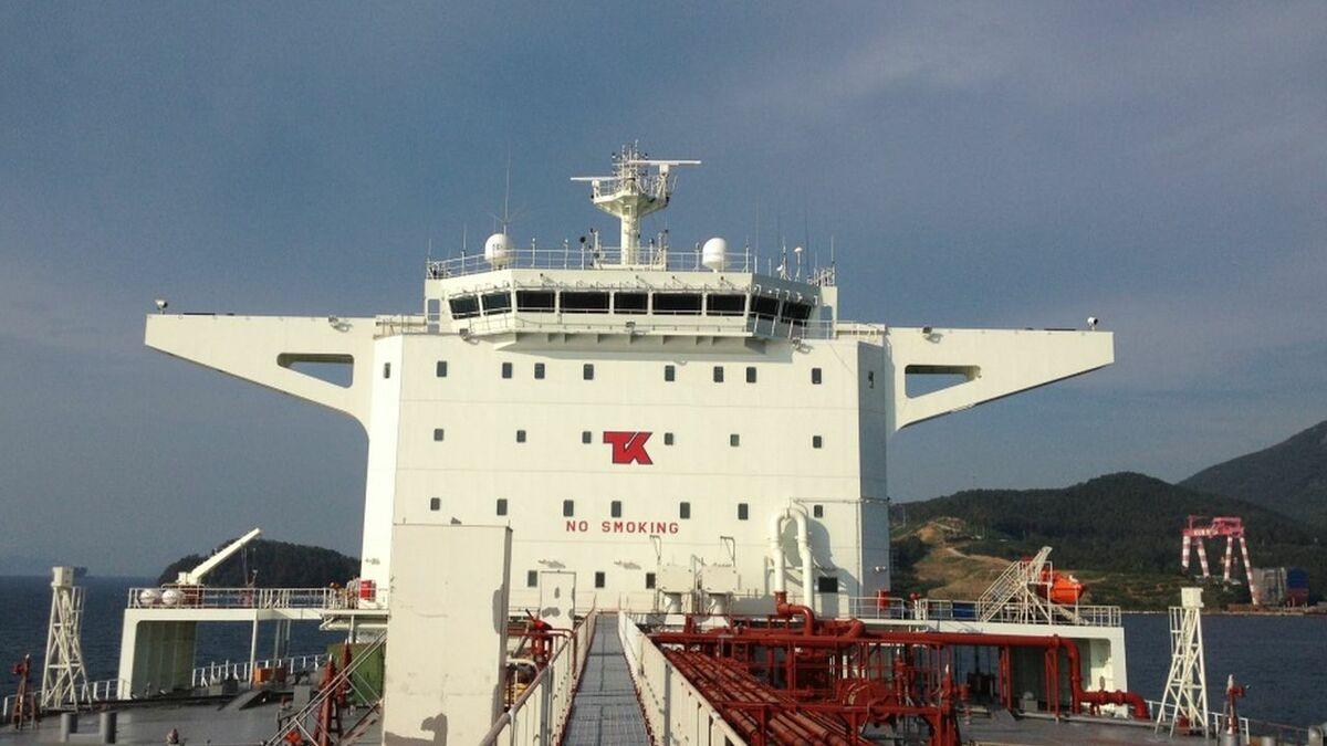 Teekay's Nova Spirit shuttle tanker bridge and VSAT connectivity