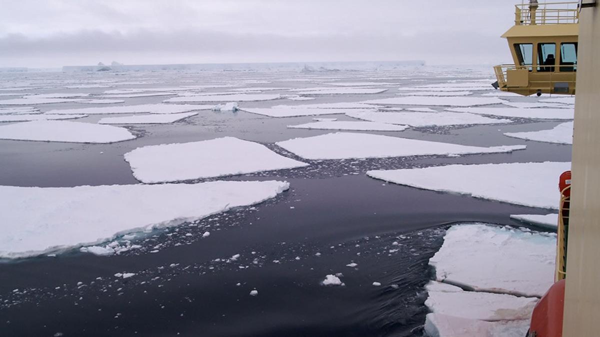 BIMCO updates arctic route information