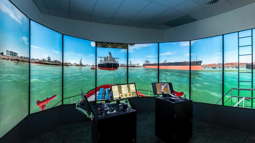 New simulators enable ship manoeuvring practice in terminals