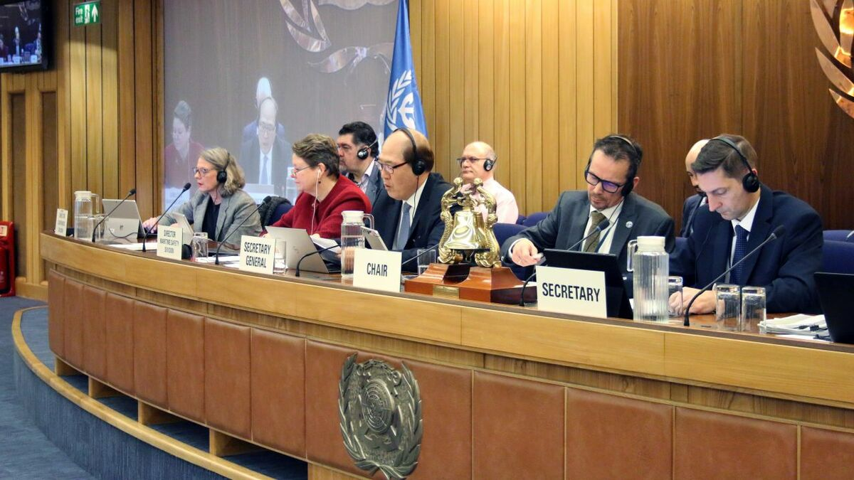 IMO recognises GMDSS and ship-positioning satellites