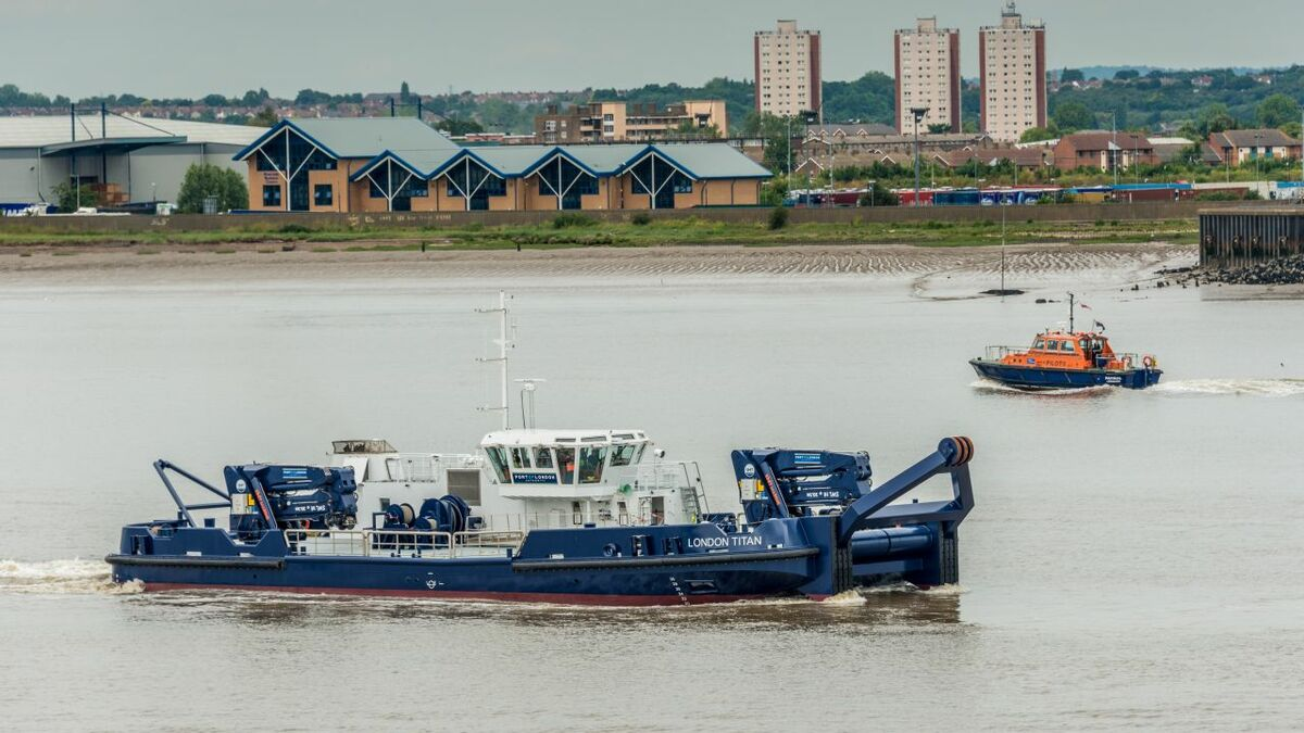 Port of London Authority will monitor engine performance on workboats such as London Titan
