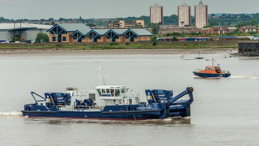 Port of London invests in workboat remote monitoring