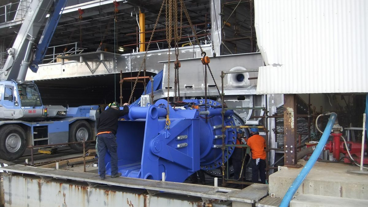 A Wärtsilä waterjet is installed on an Incat vessel in Tasmania