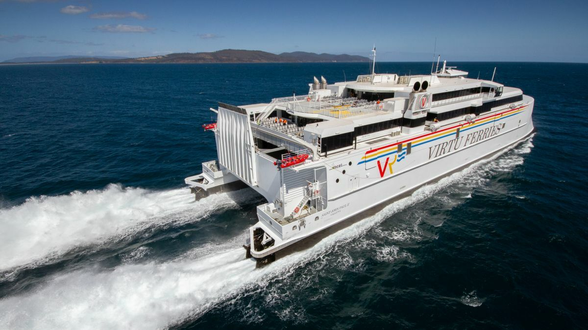 Virtu Ferries' Saint John Paul II at speed during trials (image: Brand Tasmania)
