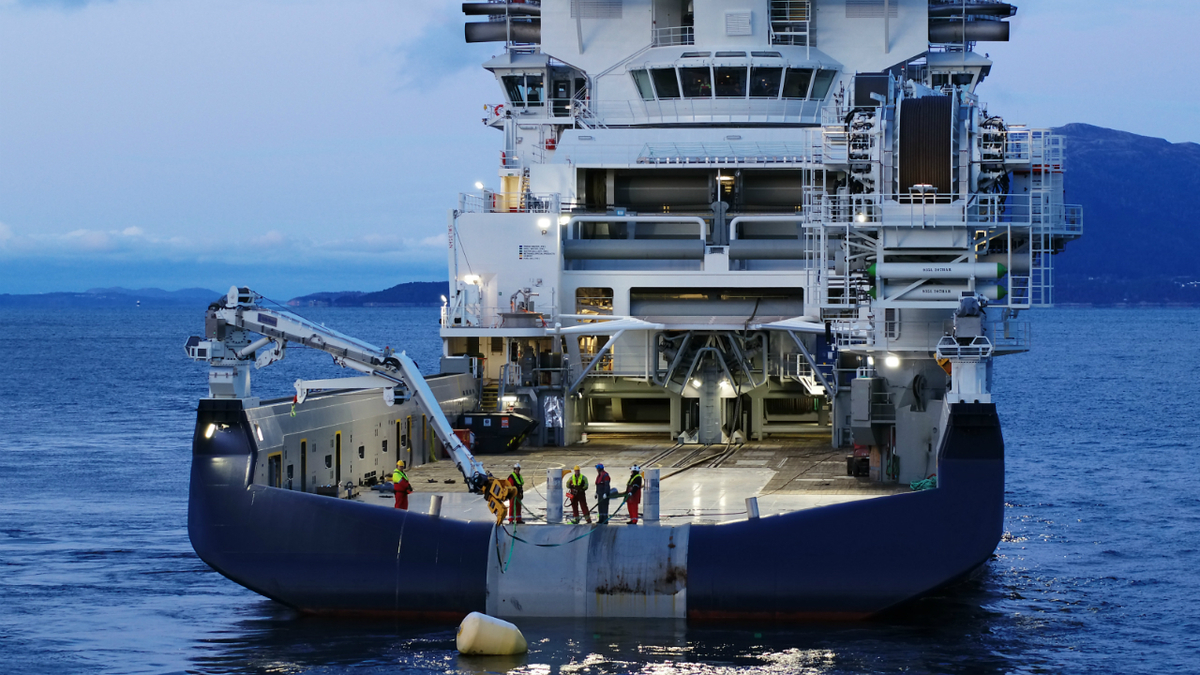 Island Victory demonstrated an impressive bollard pull of 477 tonnes during testing