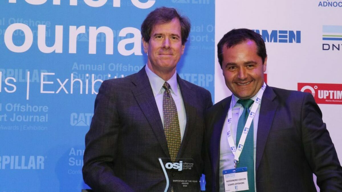 Quentin Kneen, CEO, Tidewater (L) with Alessandro Ciocchi (R) of V Group Offshore