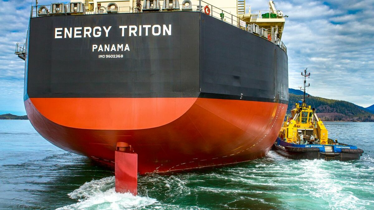 SAAM Towage tugs manoeuvre ships into terminals in Central and South America