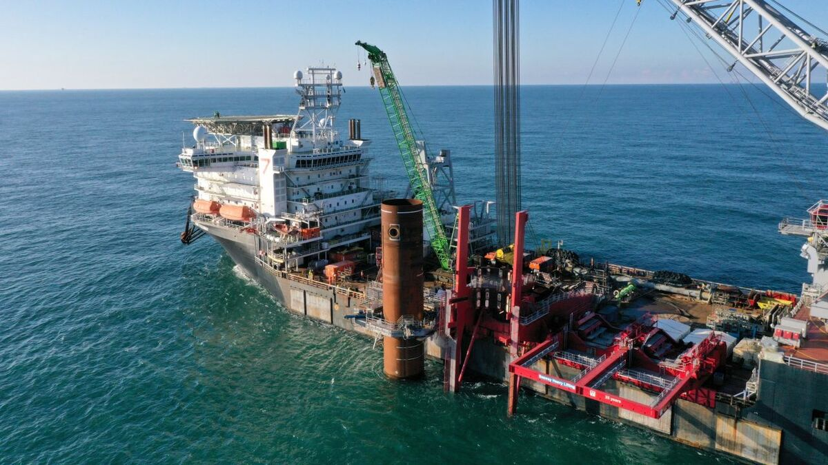 An Ampelmann A-type offshore access system will be mobilised on Seaway 7's crane vessel Seaway Strashnov