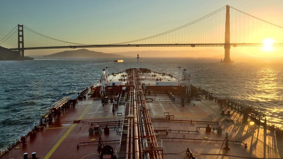 Suezmax tanker Finesse (image courtesy Euronav)