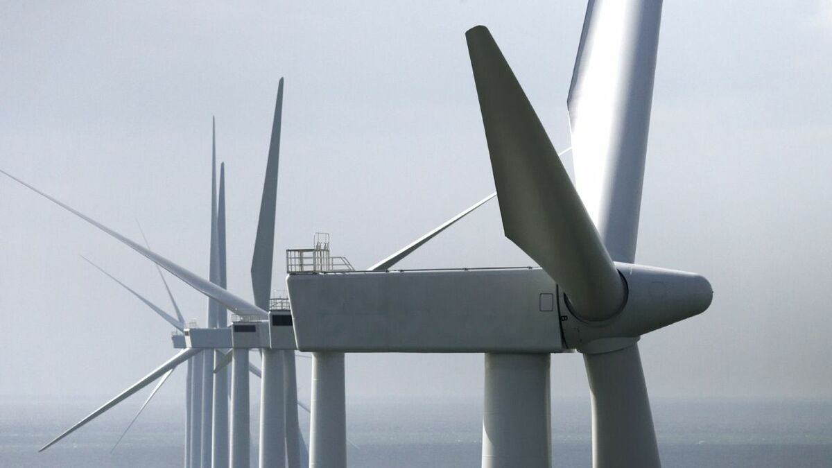 Returns from within line-of-sight windfarms can degrade radar performance