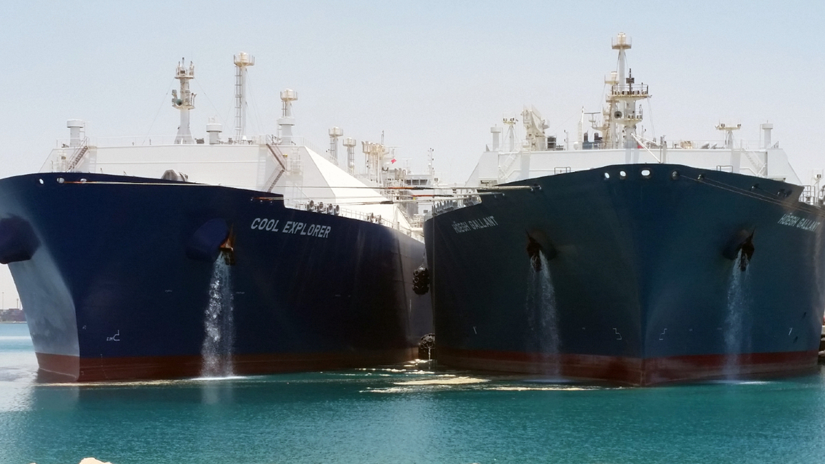 Standard connections are needed for ship to ship transfer of LNG