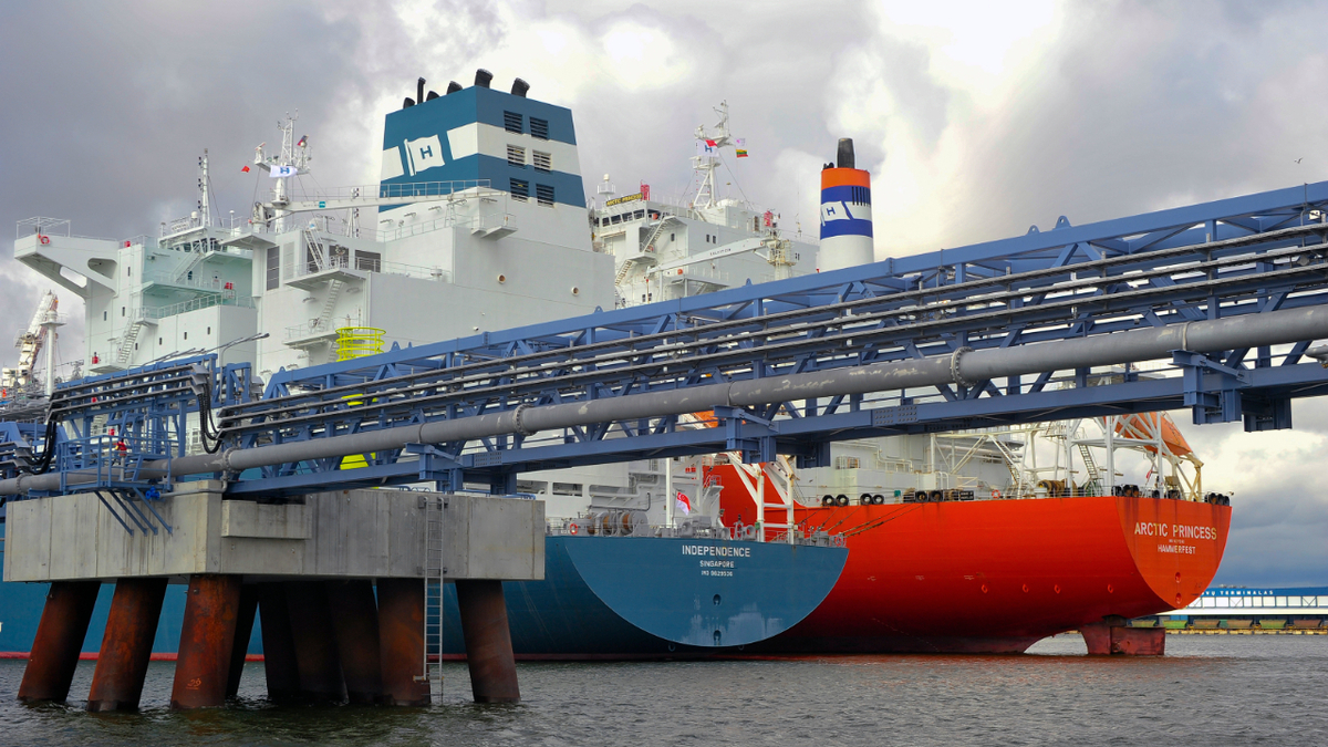 FSRU Independence has been shut temporarily for dredging maintenance at Klaipeda LNG terminal
