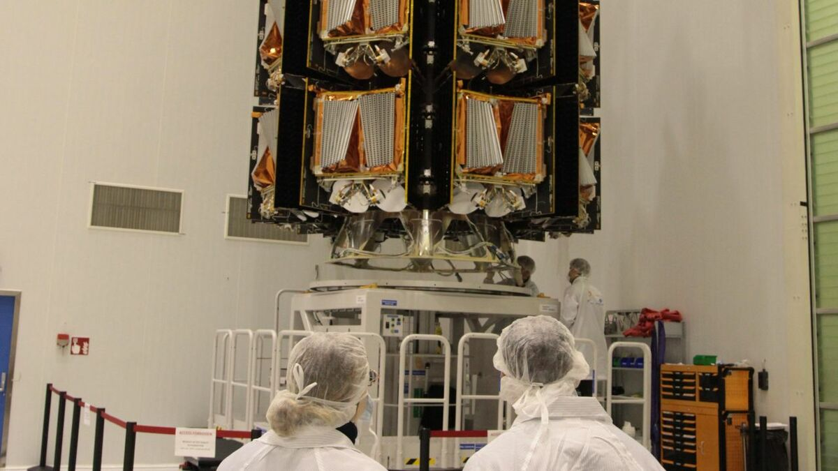 Engineers commission OneWeb satellites before their launch