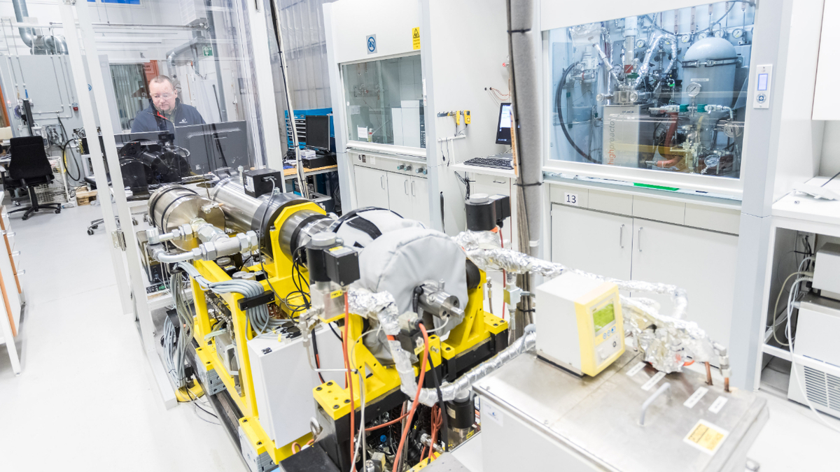 Ammonia research supports development of fuel cell-powered PSV
