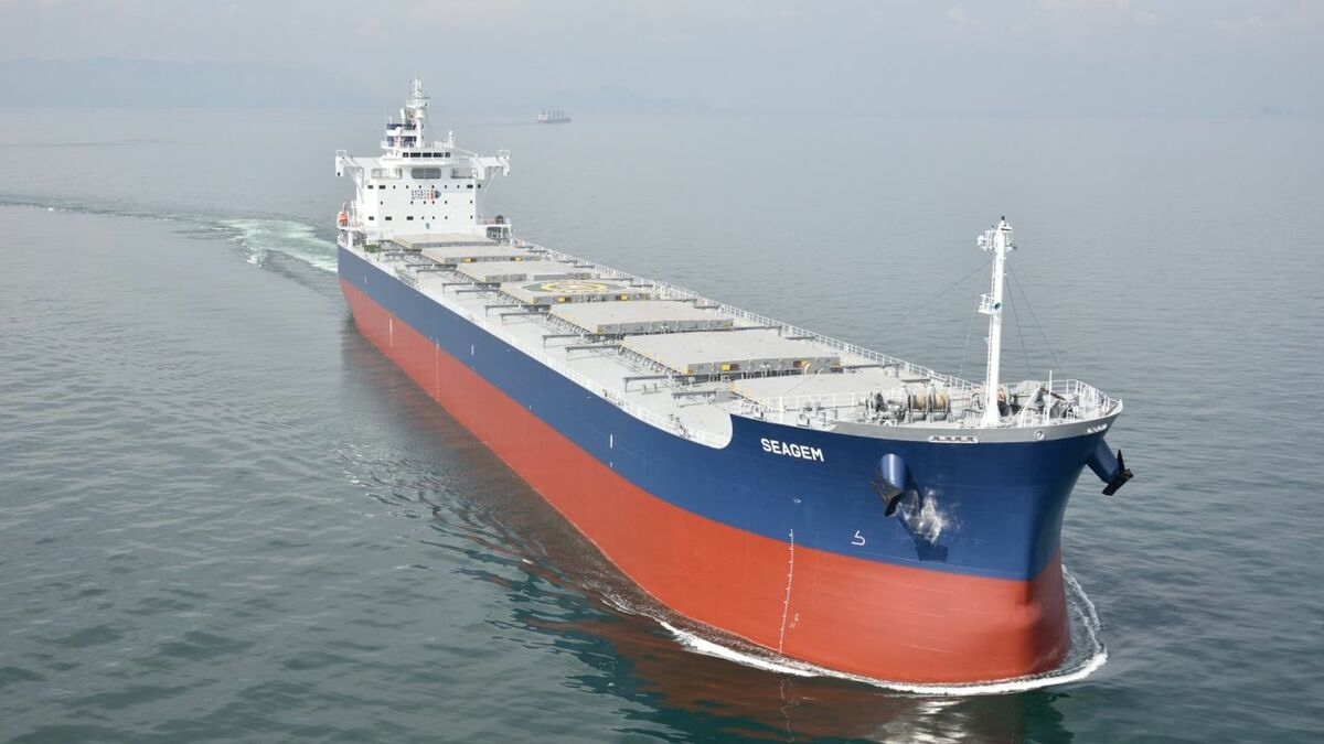 Crew on Thenamaris bulk carriers can view daily news using Evo News