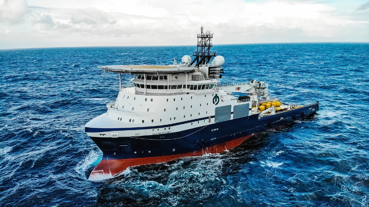 With two work-class ROVs, bollard pull of 477 tonnes and accommodation for 110, Island Victory can perform a wide variety of subsea work