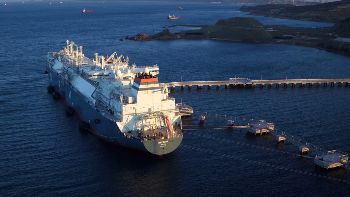 Höegh LNG will cut up to US$11M in overheads and vessel operating costs (image: Höegh LNG)