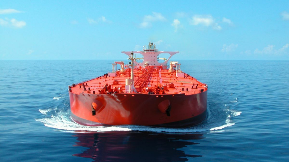 Total charters two LNG dual-fuel VLCCs from AET (image source: AET)