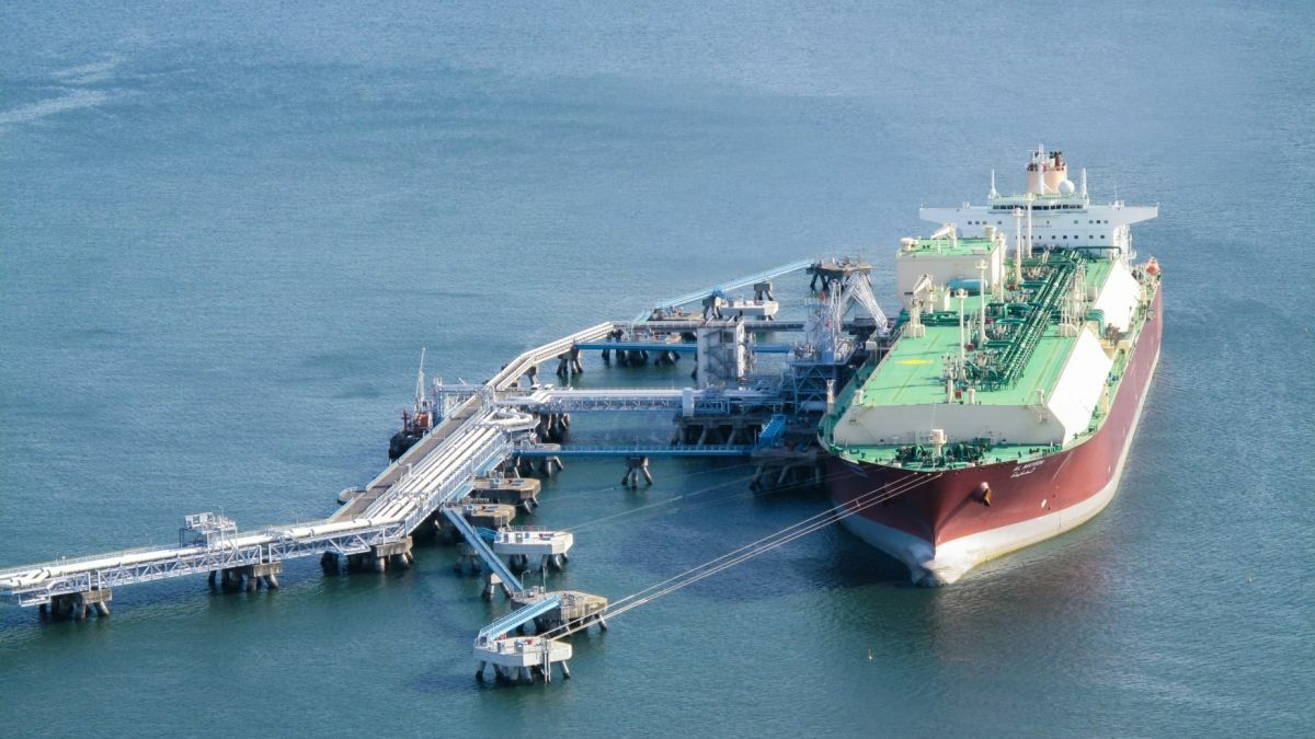 Qatargas undertook trials to use LNG boil off to provide energy for cargo operations