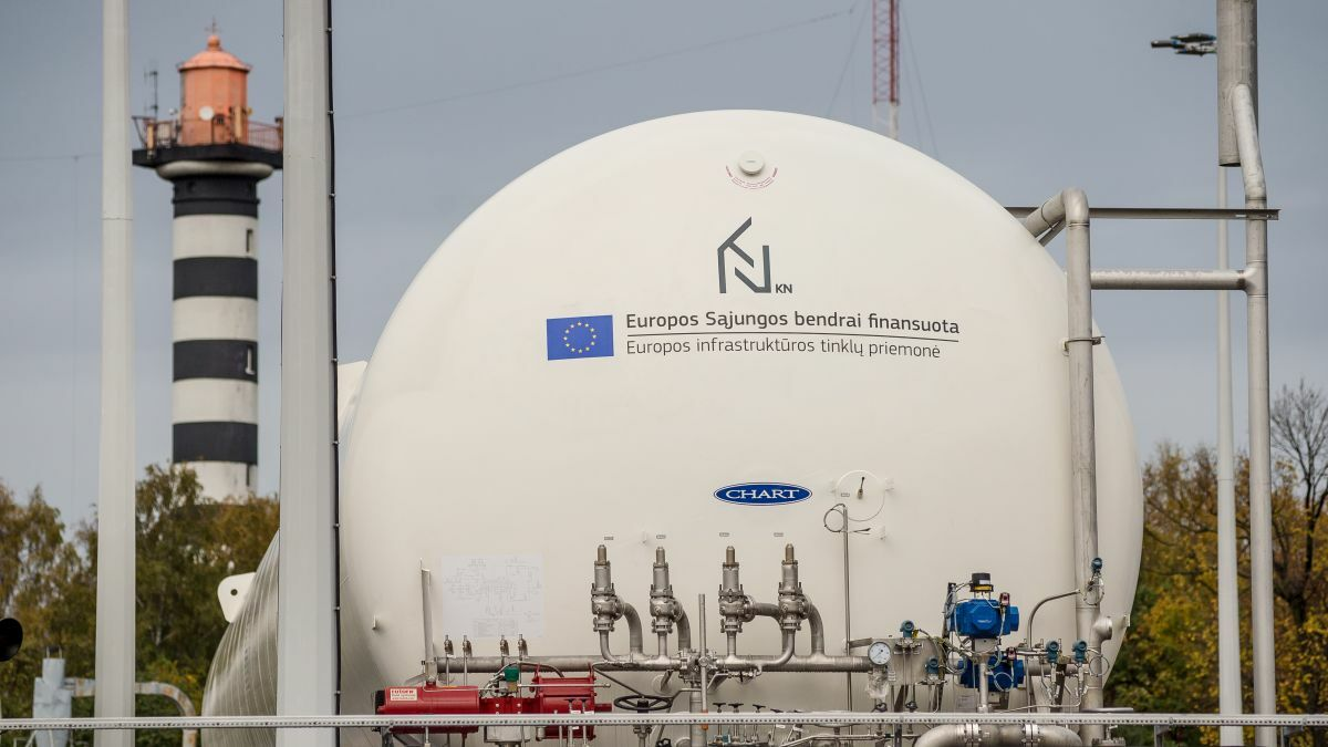 The KN LNG reloading station in the Baltic Sea can accommodate bunker vessels and trucks