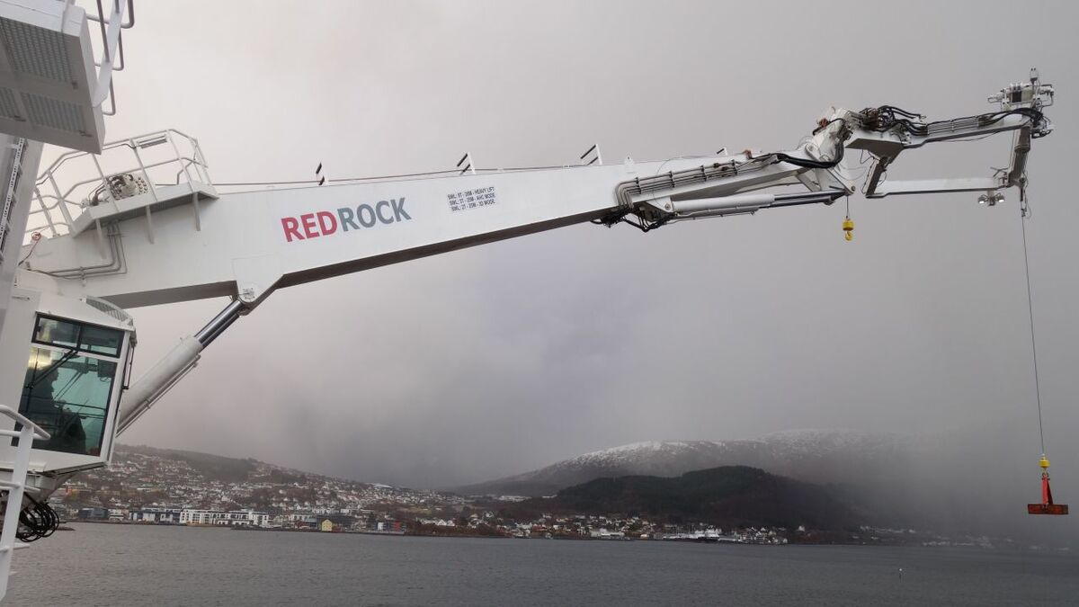 Red Rock's concept put the compensation system in the tip of the crane boom
