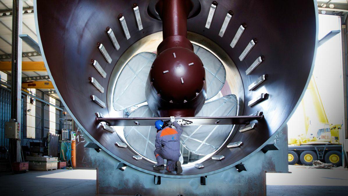 Wärtsilä's WTT-40 transverse thruster utilises an integrated lubrication system
