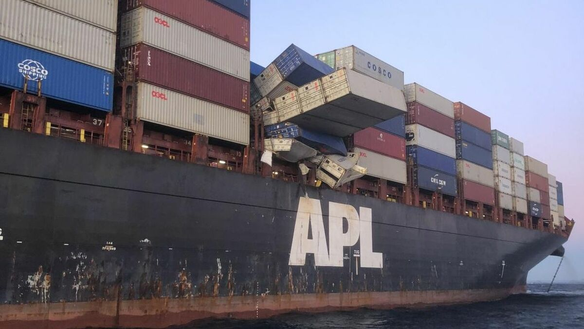 COSCO containers fell off APL England ship and were beached in Australia (source: AMSA)