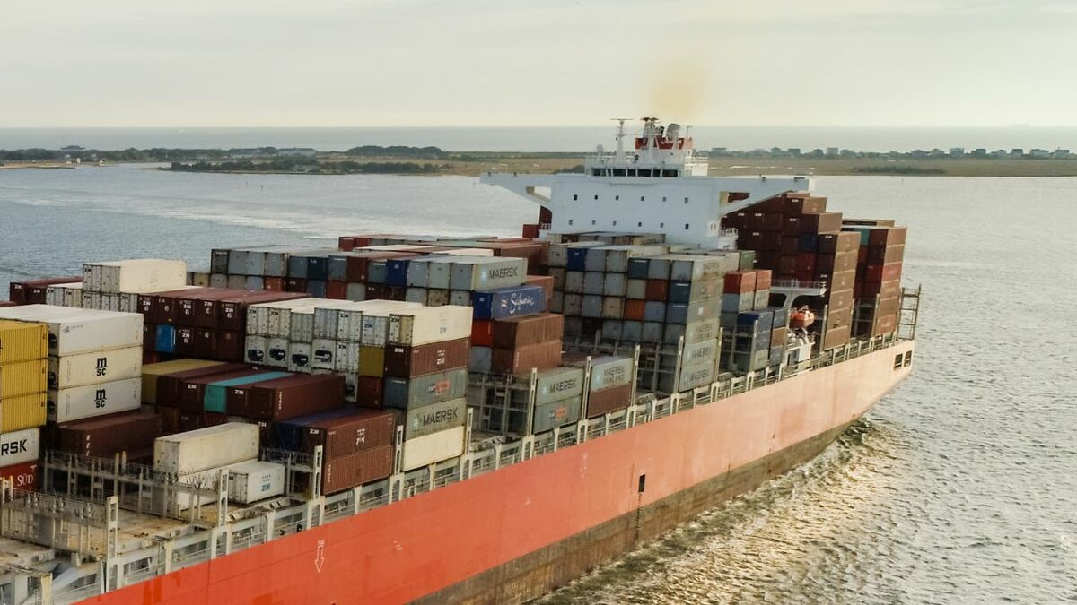 NSC-Group container ship uses Marlink VSAT for connectivity and crew welfare services