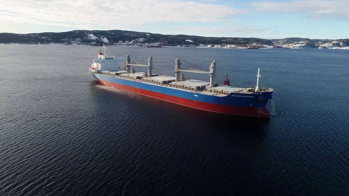 Van Weelde Shipping bulk carriers use weather routeing for transatlantic voyages