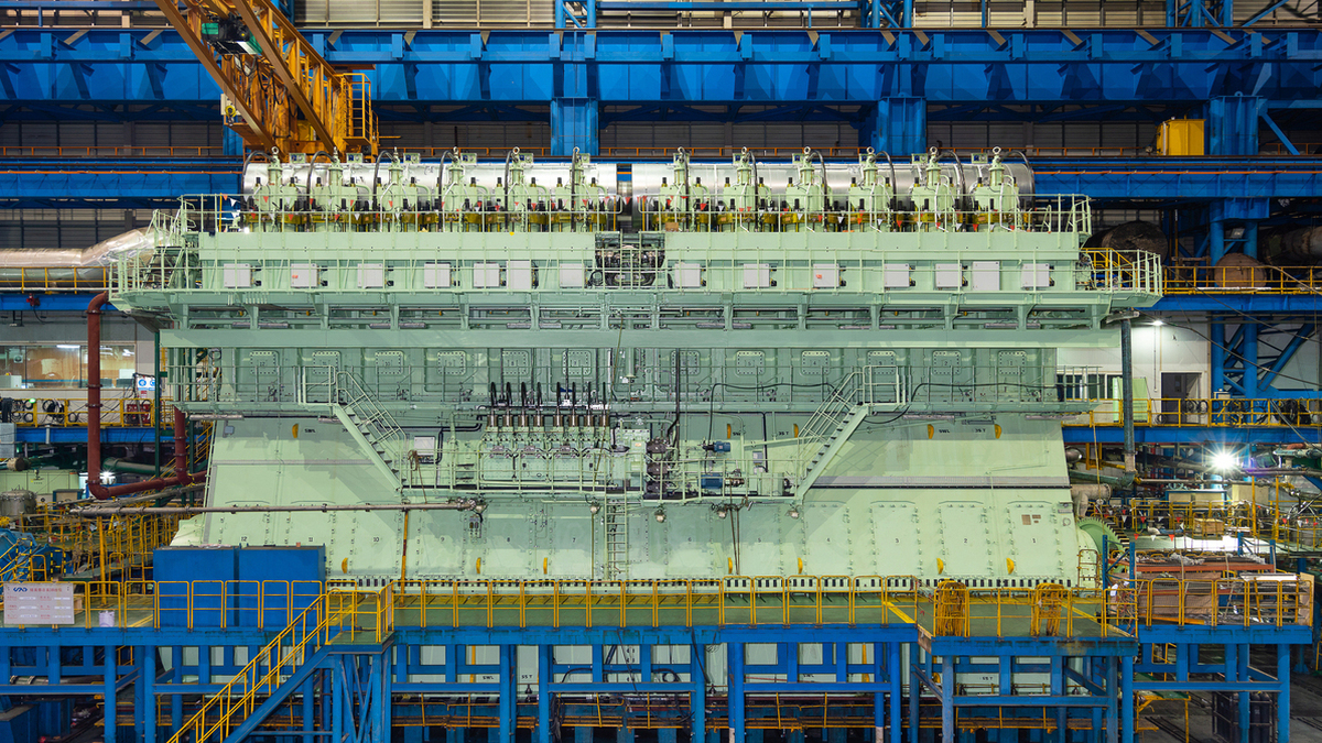 World's largest dual-fuel engines type-approved